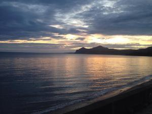 Mofa-Nefyn-sunrise